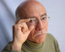 ENTREVISTA CON MARCO ANTONIO FLORES, ESCRITOR GUATEMALTECO. PROHIBIDO SU USO Y REPRODUCCIÓN EN GUATEMALA.