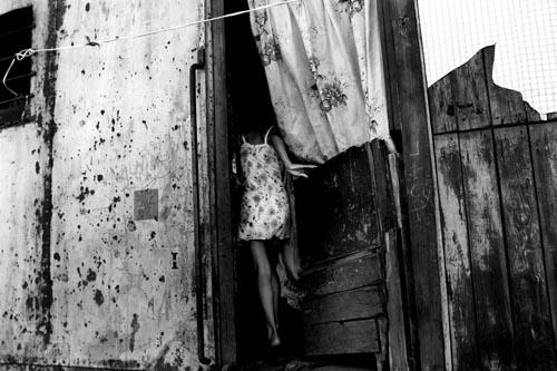 Documentary Photography – Life @ Mexico's Abandoned RailroadTracks