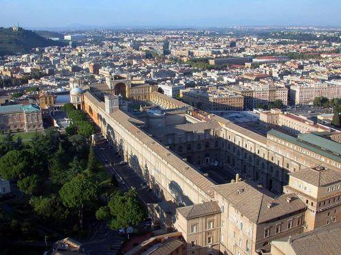 800px-Rome_Vatican_Museums